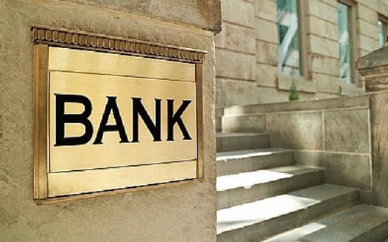 شعبی که روی دست بانکها باد میکند