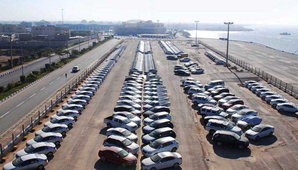 ناآرامی در بازار خودرو؛ از بیکاری تا خاکخوری هزاران خودرو در گمرک
