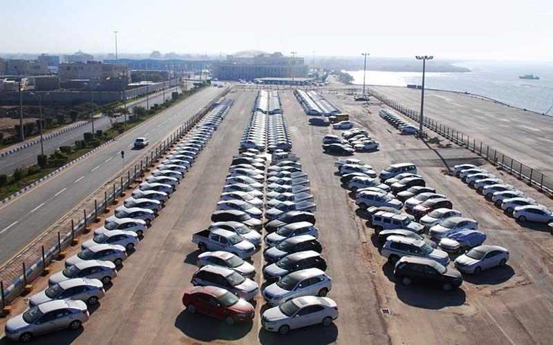 تخصیص ارز ۴۲۰۰ تومانی به واردات خودرو باید متوقف شود