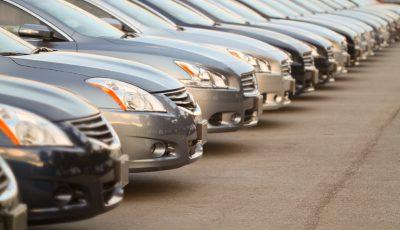 چه بر سر قیمت خودروهای وارداتی میآید؟