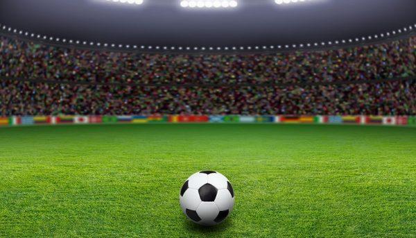 دلارهایی که در زمین فوتبال میسوزند