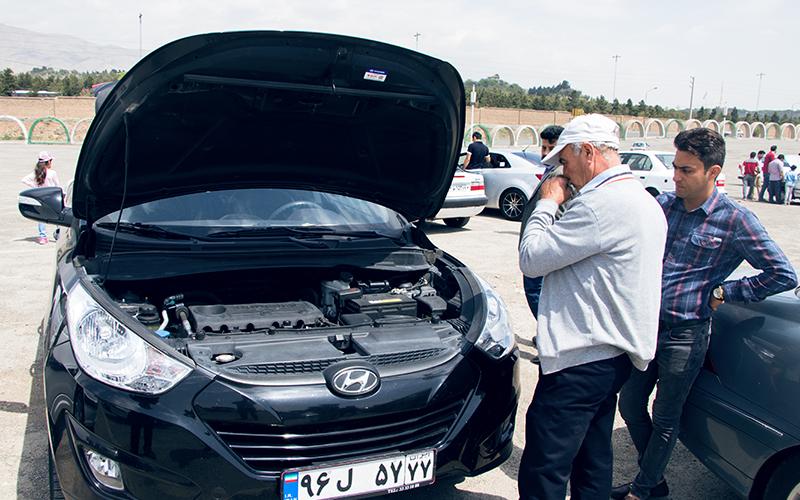 نوسان دلار خودرو را ۲۰ درصد گران میکند