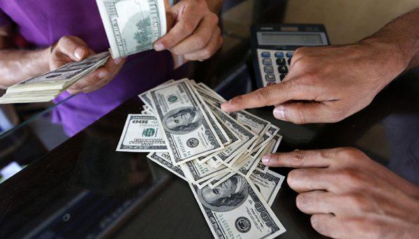تحمل دلار ۴۲۰۰ تومانی تمام شد