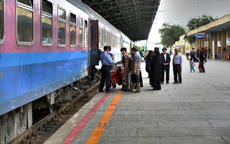 قطارهای فوقالعاده در مسیرهای مشهد و قم برقرار شد