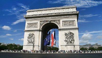رشد اقتصادی فرانسه کمتر از نصف شد