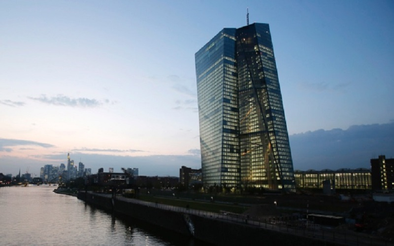هشدار بانک مرکزی اروپا نسبت به تبعات منفی جنگ تجاری