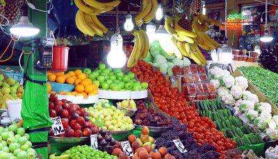 کاهش تولید باعث گرانی میوه شده است