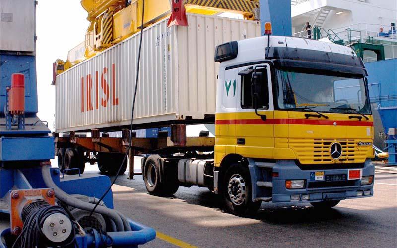 تاجران ایلامی ۱۵۸ میلیون دلار کالا به عراق صادر کردند