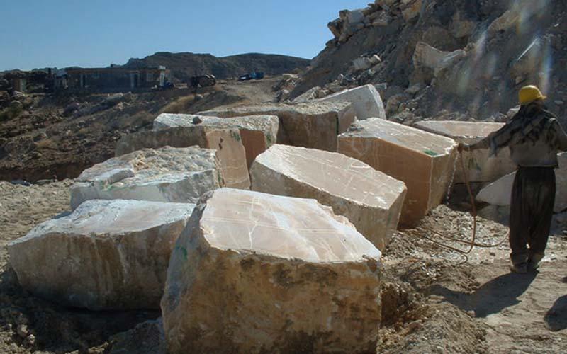 ذخیره مواد معدنی کشف شده در سیستان و بلوچستان بالغ بر یک میلیارد  تن است