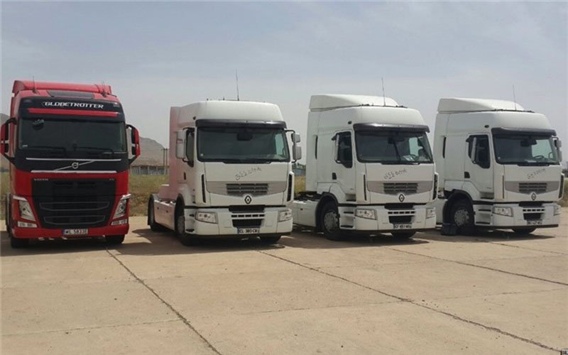 پیگیری مطالبات کامیونداران از سوی وزارت کار