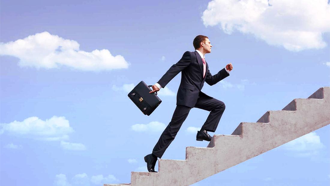 ۱۳ عادت مالی ارتقا شغلی