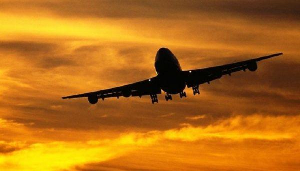 معاون گردشگری: قیمت بلیت هواپیما کنترل میشود