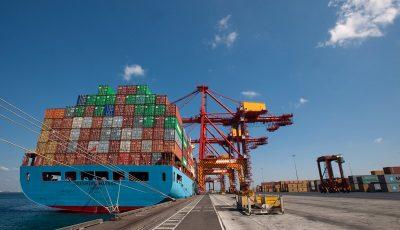 آغاز مقابله تجاری اروپا با ترامپ؛ تعرفههای سنگین برای کالاهای آمریکایی
