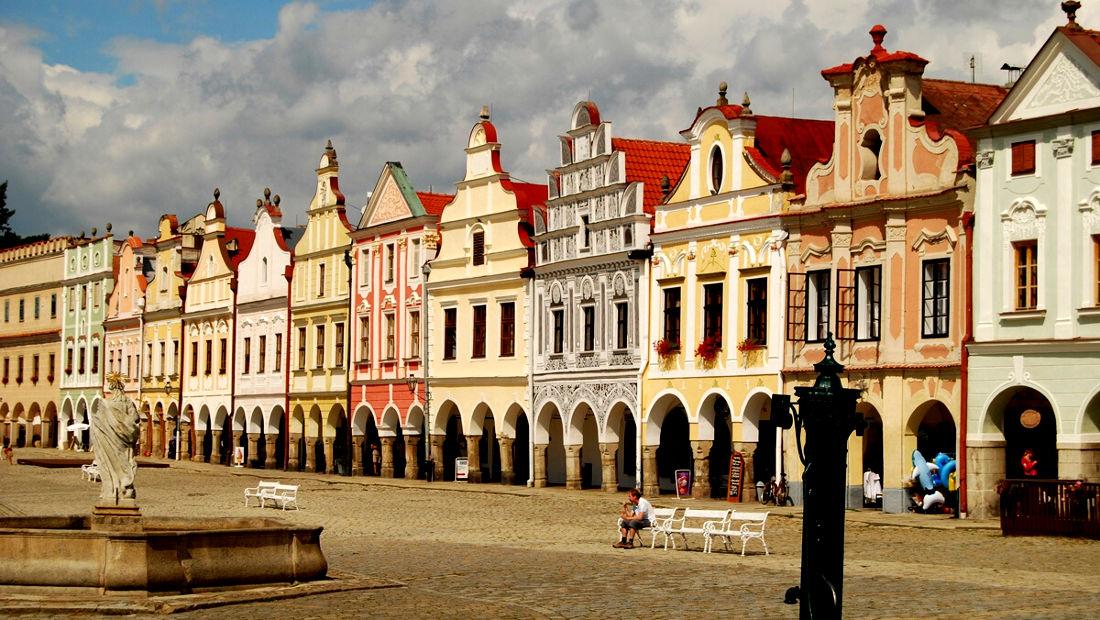 شهرهای زیبا میدان شهر تلچ در جمهوری چک