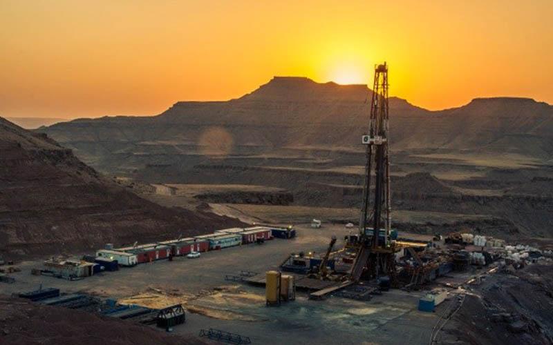 بلاتکلیفی بزرگترین پالایشگاه ژاپن در مورد خرید نفت از ایران