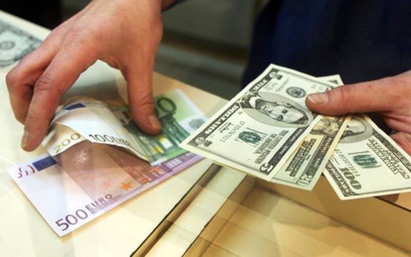 سیاستهای ارزی دولت تغییر میکند