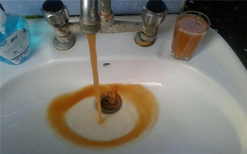 آب آبادان حتی برای شستن صورت هم مناسب نیست