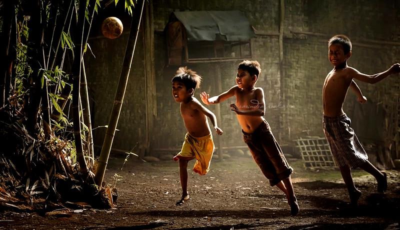 کودکان فوتبال بازی روزهای کمبازده
