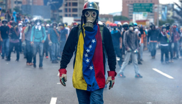 اقتصاد ونزوئلا؛ مدفون در دلارهای نفتی