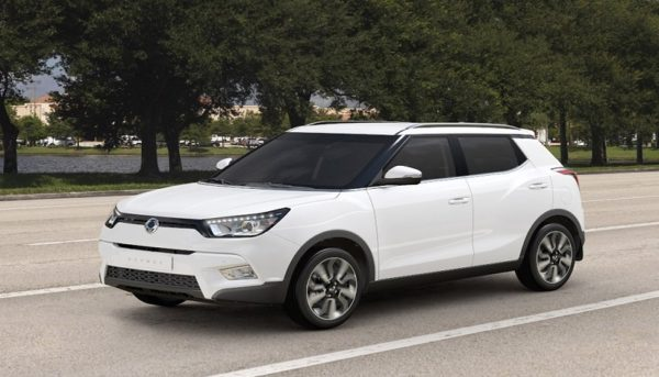 بلاتکلیفی مشتریان پیشفروش خودروهای خارجی