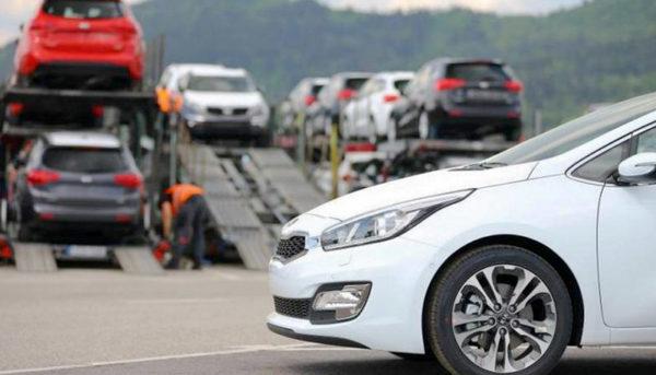 کف بازار / قیمتهای جدید خودروهای خارجی؛ ارزانی ناچیزی که به چشم نمیآید