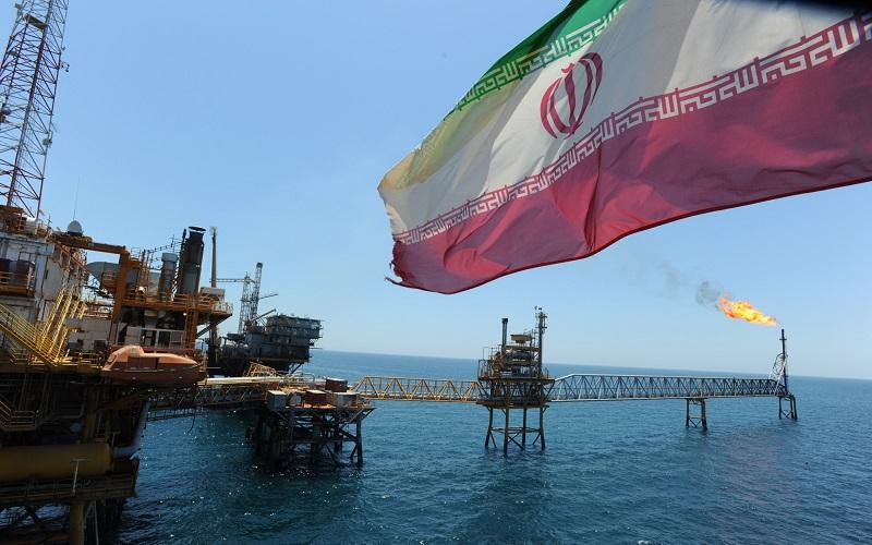 مشتریان بزرگ نفت ایران به حرف آمریکا گوش نمیکنند