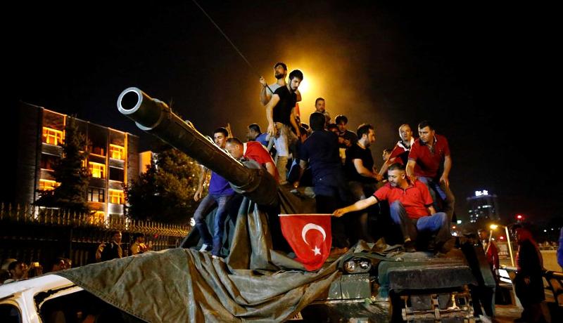 معرفی کتاب چرا ملتها شکست میخورند کودتای ترکیه