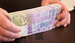 فرار سرمایه سوییس پول دلار یورو فرانک