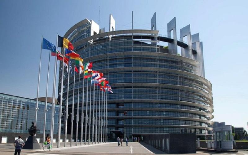 پارلمان اروپا از طرح تجارت «بانک سرمایهگذاری اروپا» با ایران حمایت کرد