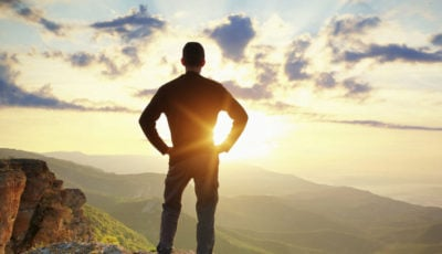 ده دلیل که شبزندهداری شما را فقیر میکند!