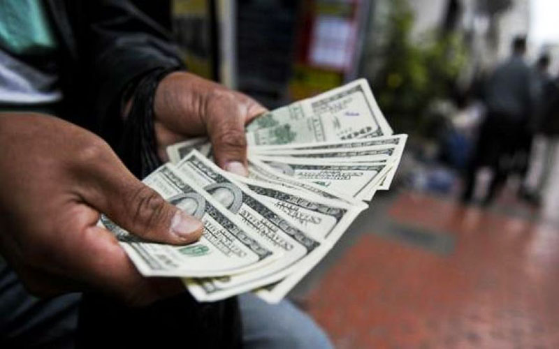 ارز پتروشیمیها در بازار 8074 تومان قیمتگذاری شد