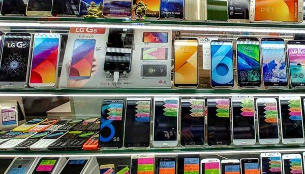 کاهش چشمگیر واردات تلفن همراه در خردادماه