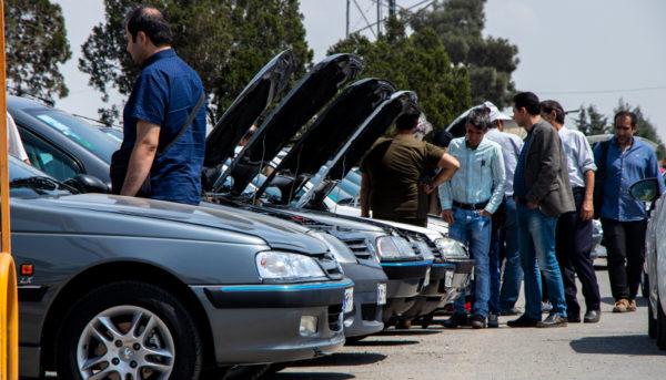 تحلیل مطبوعات از افزایش قیمت خودرو / محدودیت در عرضه یا حضور برخی نهادهای خاص در بازار؟