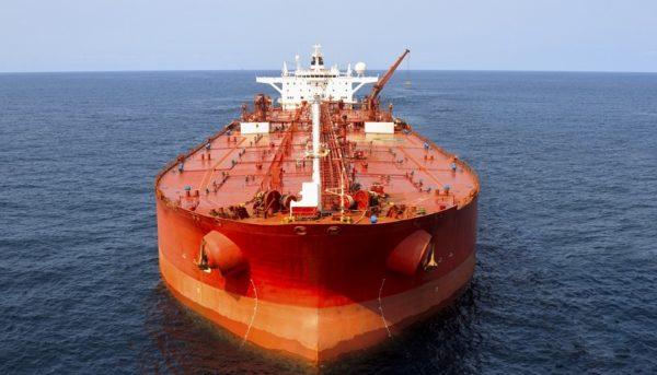 ایران نفت خود را بر روی دریا ذخیره میکند