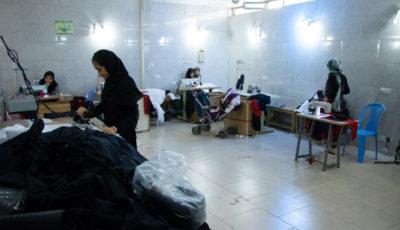 روند کاری یک واحد تولیدی لباس مدارس (گزارش تصویری)