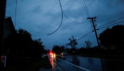 خاموشی ۸۹۵ هزار خانه آمریکایی پس از طوفان فلورانس