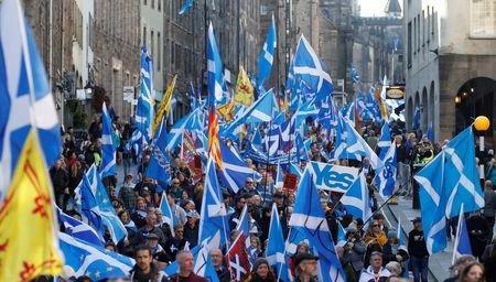 تظاهرات هزاران نفری در ادینبورگ در حمایت از استقلال اسکاتلند