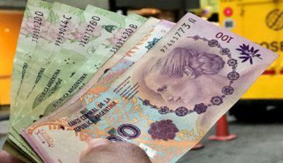 قدرت نمایی دلار در برابر یورو و پوند