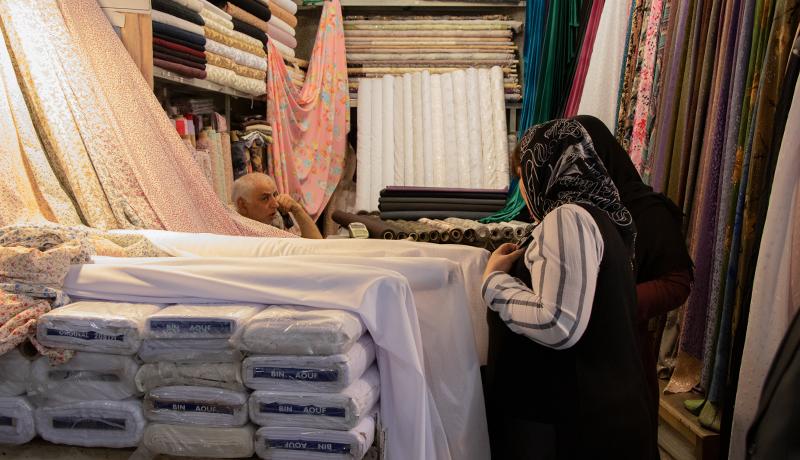 بازار پارچه تهران؛ بازاری برای تماشا یا فروش؟ (گزارش تصویری)