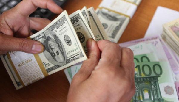 حساب سرمایه کشور منفی ۵.۲ میلیارد دلار شد