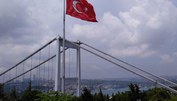 تعداد گردشگران ایرانی ترکیه نصف شد