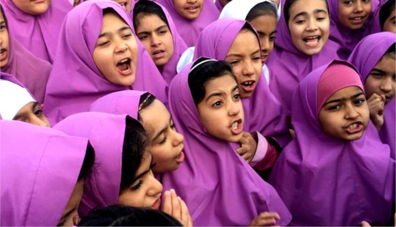 مدرسه دخترانه ایران سؤال پرسیدن