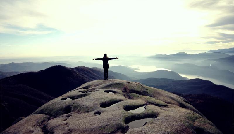 هدف زندگی یافتن قله کوه