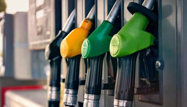 جایگاههایی که نتوانند بنزین یورو ۴ تهیه کنند تعطیل میشوند