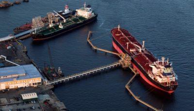 صادرات روزانه 2 میلیون بشکه نفت/بخشی از صادرات رسمی نیست