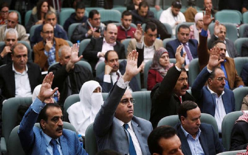 پارلمان اردن پیشنویس اصلاح شده قانون جنجالی مالیات بر درآمد را تصویب کرد