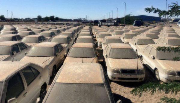 ۱۴ هزار خودرو خارجی در گمرکات خاک میخورد/۵ هزار میلیارد تومان سرمایه معطل مانده در گمرک