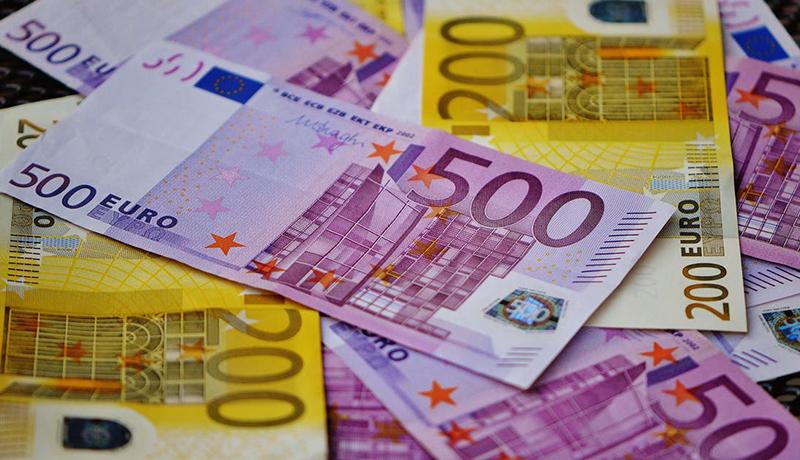 قیمت یورو در تابستان امسال چقدر نوسان داشت؟