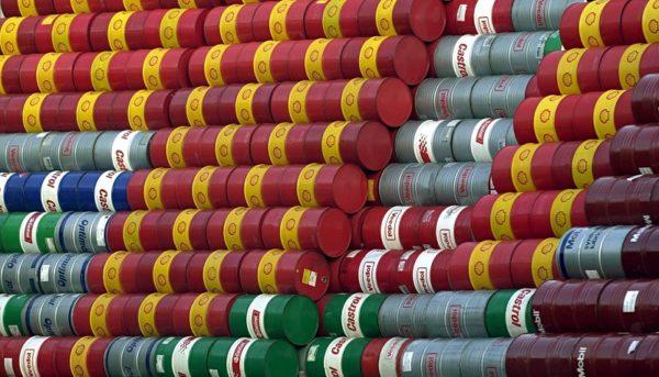 ۳ اتفاقی که نفت را ارزان کرد/پیشبینی ارزانی ادامهدار قیمت نفت