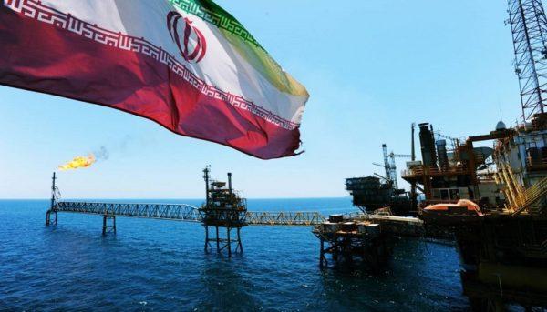 احتمال تمدید معافیتهای نفتی ایران از سوی آمریکا